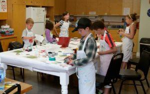 kids learning printmaking at Valley Art